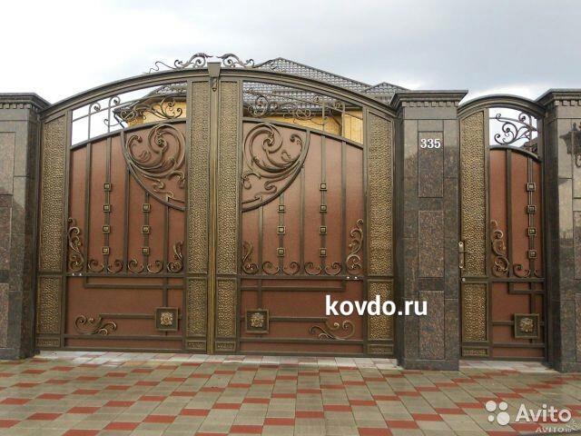 Красивые ворота в Мире, откатные ворота